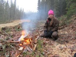 I samarbete med jägareförbundet Indal-Liden har vi bjudit med nya kvinnliga jägare till älgskogen. Den här dagen var Hanna med.