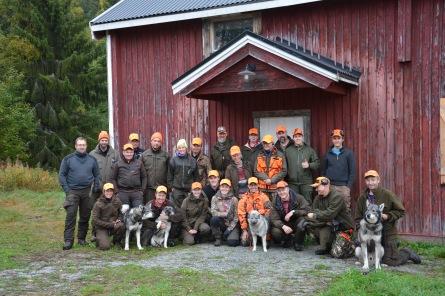Hullsjön-Västanbäcks jaktlag tillsammans med gästande nya jägare.
